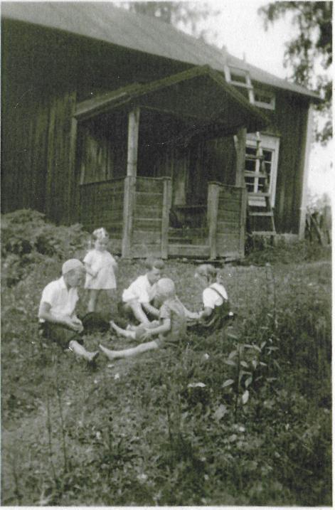 Johanna_ja_Heikki_lönnrot_ja_Lounelan serkut 1952