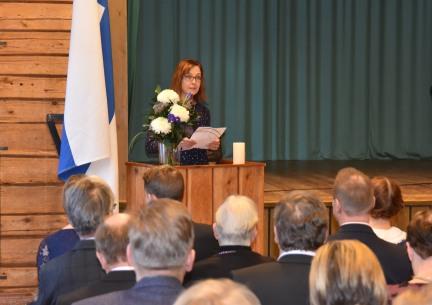 Paula Eskolan tervetuliaissanat (kuva Juha Silvanto)