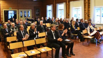 Juhlayleisö (kuva Stina-Maarit Elo)
